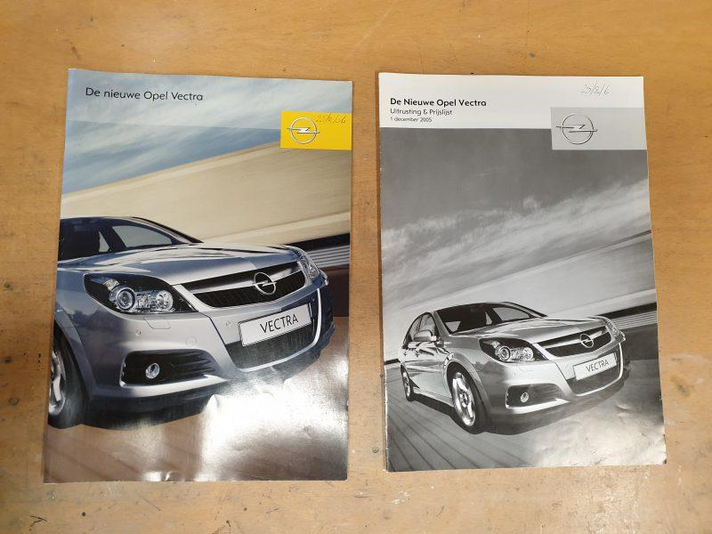 Originele Opel Vectra verkoopfolder + prijslijst uit 2006